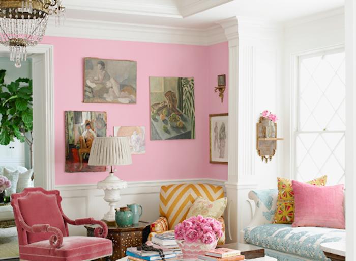 ein großes Zimmer mit Begonien Deko mit rosa Wände und Kissen Pflanzen, die wenig Licht brauchen