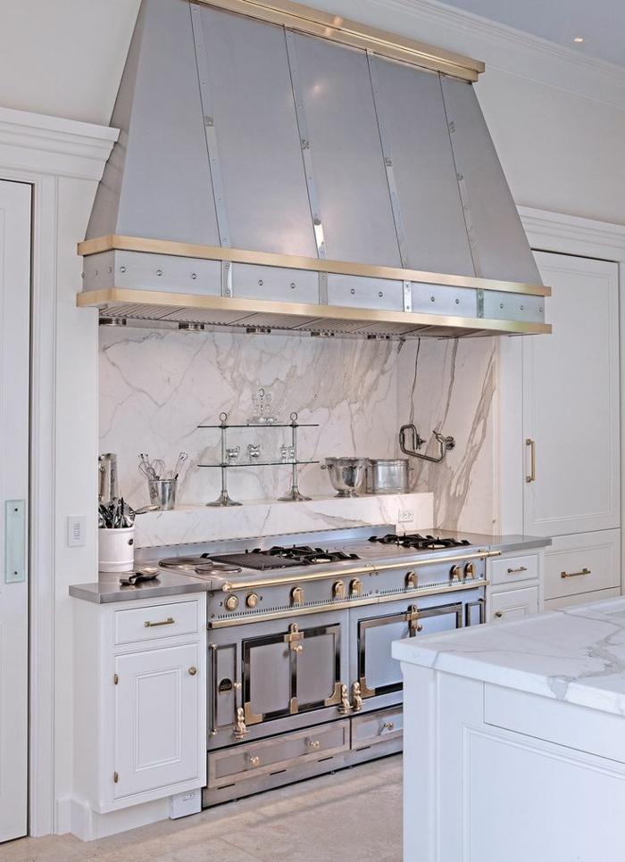 vintage küche design metallisch gold kanten an küchenzeile