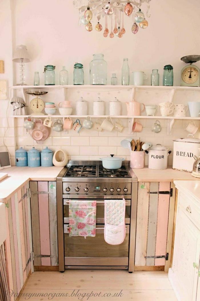 shabby chic deko und shabby möbel helle rosa farben weiße regale