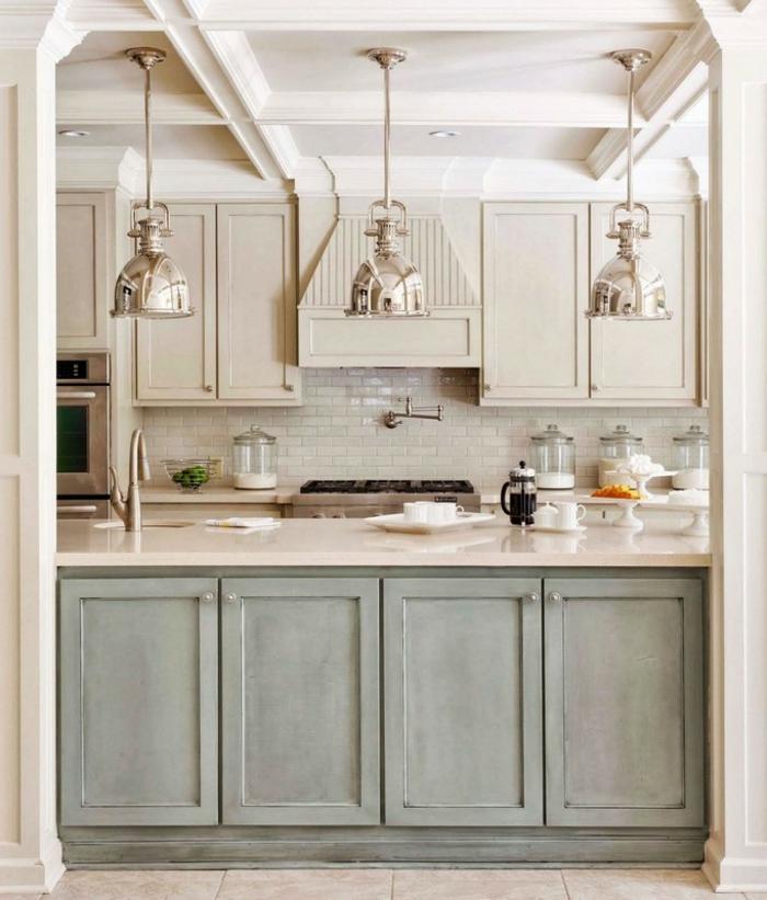 küche shabby chic landhaus küchenfronten grau-weiß marmor platte