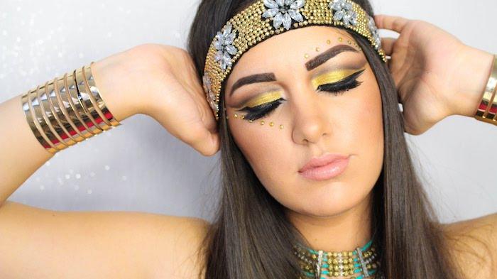 pharaonin kostüm ideen inspiration für eine moderne kleopatra look idee kopfschmuck