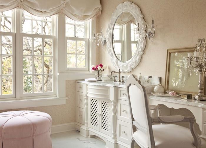 shabby deko, rosa hoker, antiker spiegel mit weißem rahmen, weißer schrank