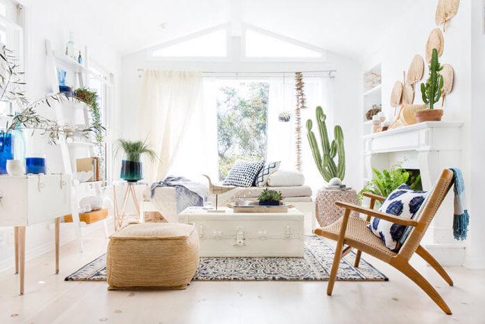 kommode shabby, wohnzimmer einrichten und dekorieren, weißer kaffeetisch aus altem koffer