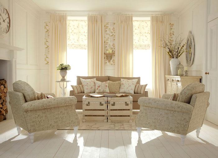 kommode shabby, wohnzimmer in naurfarben einrichten, beige sofa und sessel