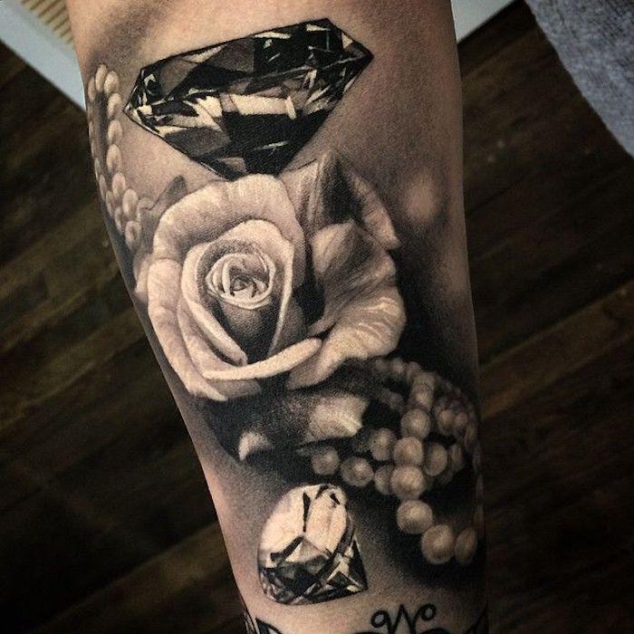 schöne tattoos, tätowierung mit weißer rose, diamant und perlenkette