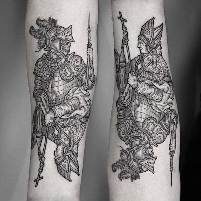 zwei Figuren aus der Karten von Tarot der Tod und der Kaiser all black Tattoo