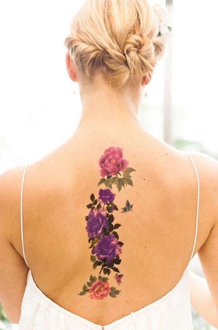 watercolor tattoo rücken, dame mit blonden haaren und weißem kleid