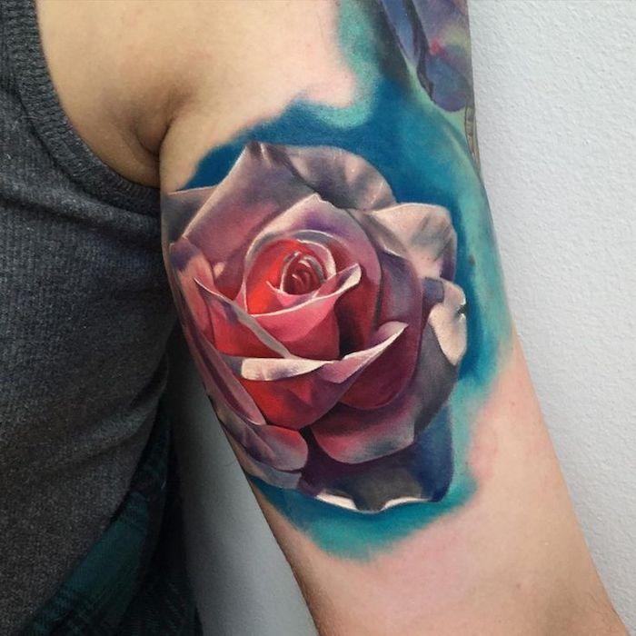 tattoo vorschläge, bunte tätowierung mit rose-motiv am oberarm