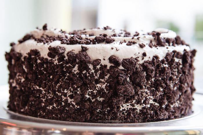 geburtstag torte mit sahne und schokolade, oreo-kekse