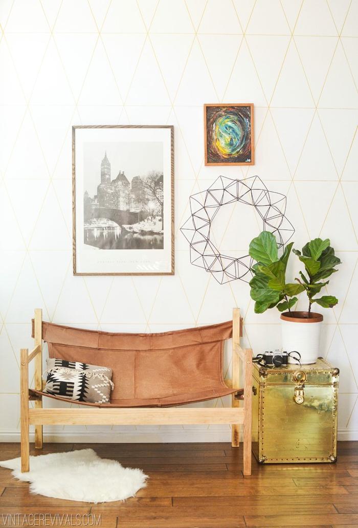 Vintage Bank, Bilder an der Wand, Zimmerpflanze, Deko Kissen, tolle Einrichtungsideen
