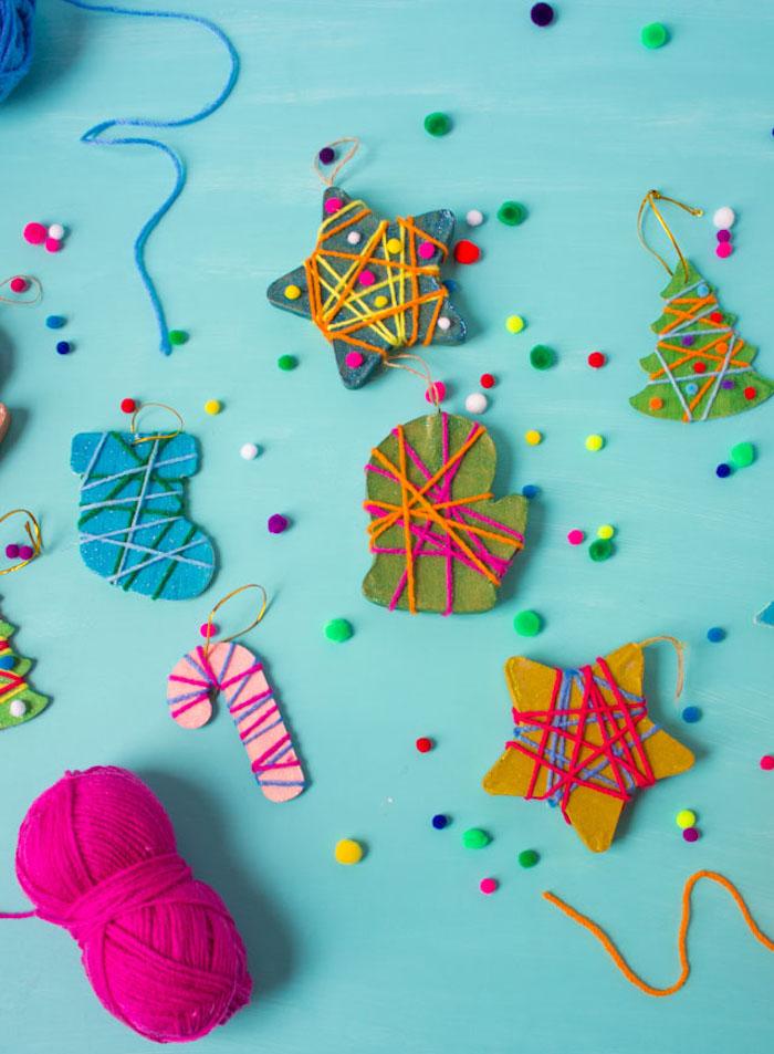 Anhänger für den Weihnachtsbaum mit Kindern basteln, Weihnachtsbaum Stern Handschuh und Zuckerstange