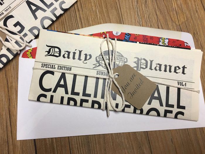 eine Einladungskarte in der Form von Zeitung - Hochzeitszeitung Beispiele