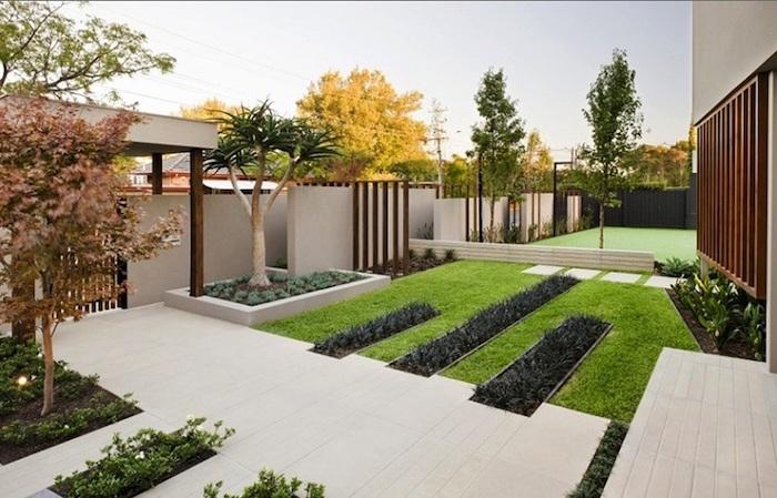 vordergarten pflegeleicht gestalten, vordergarten in minimalistisches design, naturmaterialien