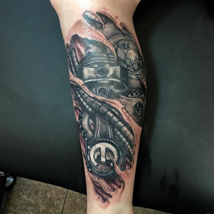 tattoo bein, tätowierung mit maschinenteilen, tattoos für männer