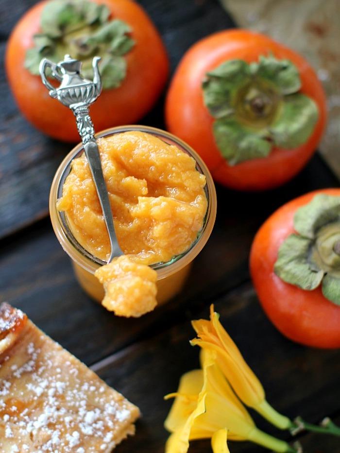 kaki essen, pürre aus sharonfrüchten selber machen, silberner desserlöffel