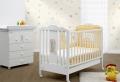 Einfacher Modell- und Preisvergleich von Kinderzimmereinrichtungen: Babybetten, Babymatratzen und Kinderschreibtische