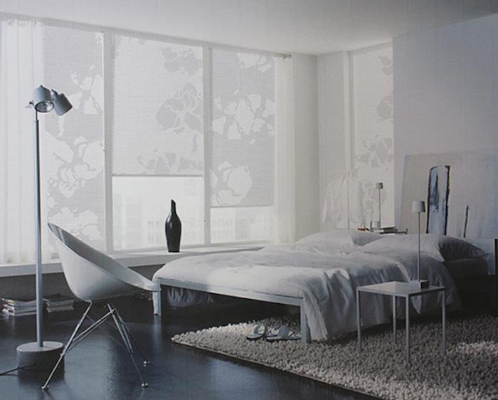 weiße fensterrollos im schlafzimmer, schlafzimmer einrichten und dekorieren