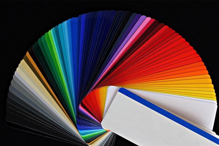 weiß, gelb, rot und andere Farbe Farbe des Regenbogens
