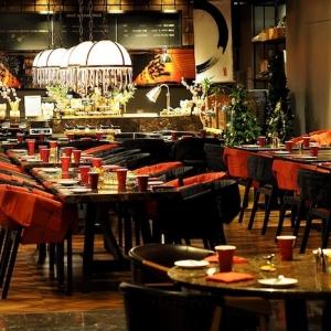 Gastronomie Stühle und Tische für ein gemütliches Ambiente