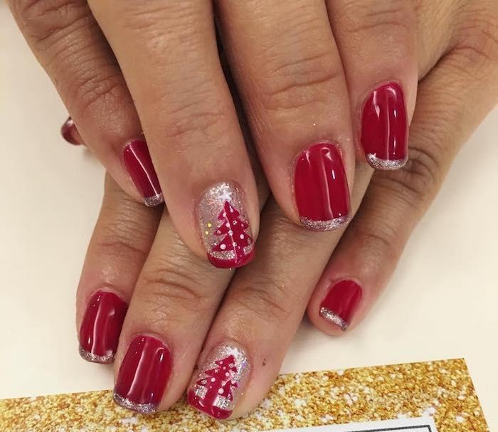 nailart weihnachten rote nägel goldenes glitzer motive idee nageldesigns inspirierend