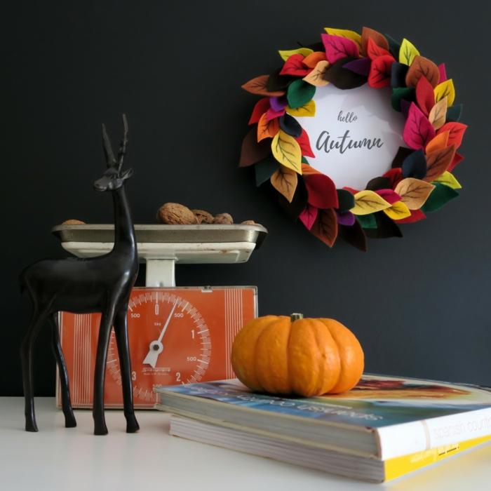 herbstlichen Kranz aus Filzblättern und Rahmen selber machen, Hallo Herbst, den Herbst nach Hause holen