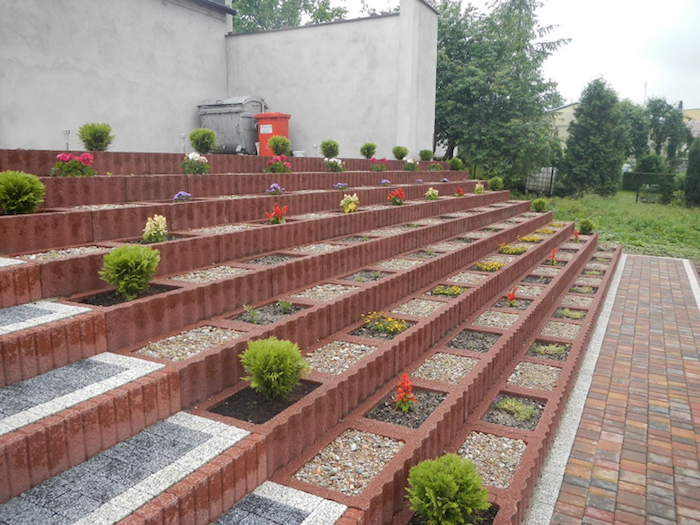 Eine Der Besten Ideen Zum Thema Mini Garten Gestalten   Treppe Mit Kleinen  Pflanzsteinen Mit Kleinen