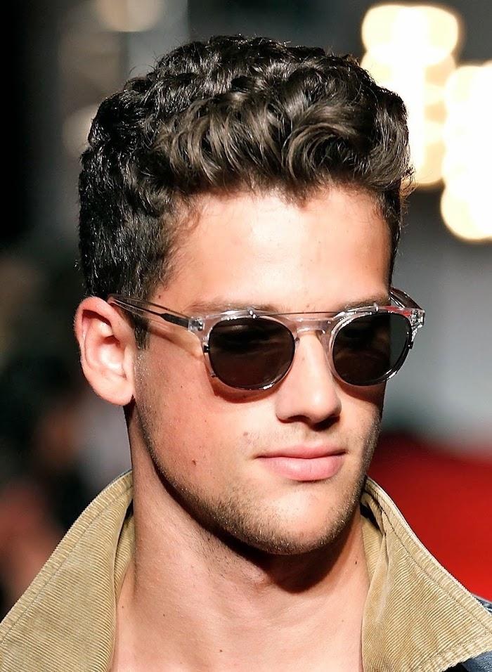 undercun hinterkopf ideen model manequin sonnenbrille lockige haare männer