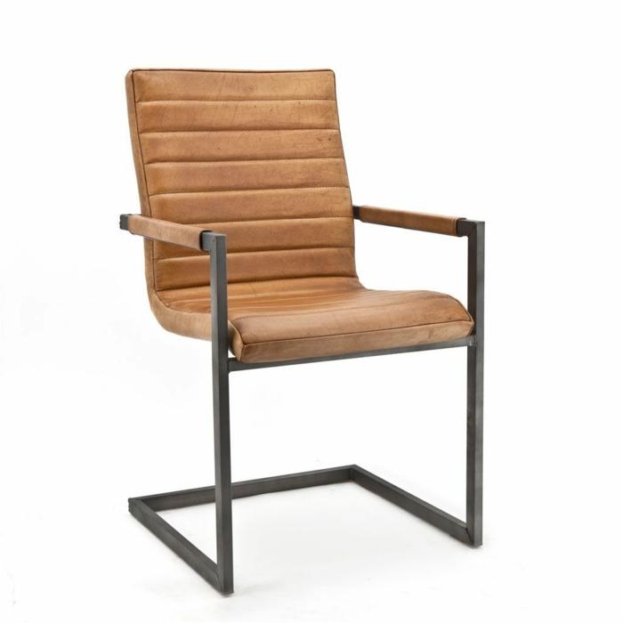 Lederstuhl- die perfekte Ergänzung zu einem Tisch aus Massivholz, Massivholzmöbel sorgen für höchsten Komfort