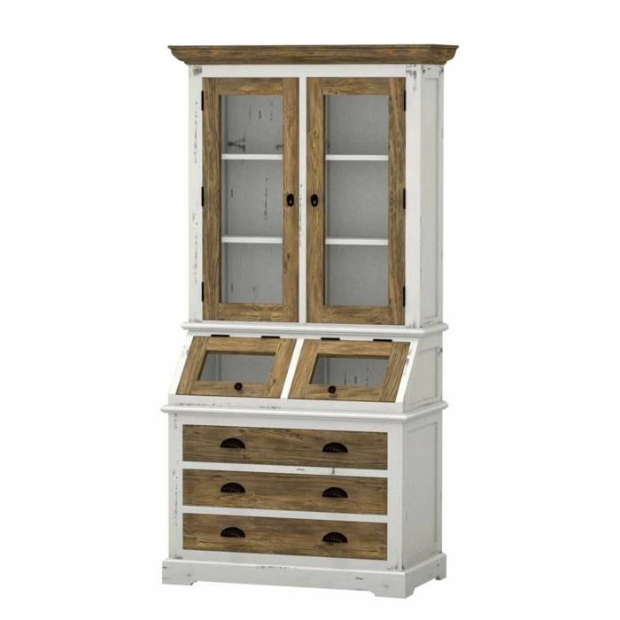 Massivholzmöbel für höchsten Komfort, Schrank im Landhausstil mit Altersspuren, helle Holztöne