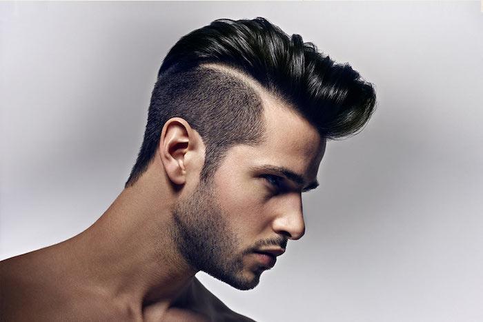 sidecut frisuren moderne variante von der ehemaligen schmalztolle frisur schwarze haare