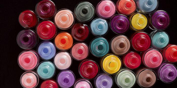nageldesign weihnachten bunte farben alle farben der welt auf den nägeln lackieren
