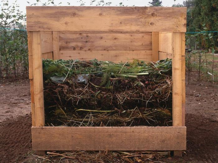 jetzt zeigen wir ihnen noch eine unserer ideen zum thema komposter selber bauen, die ihnen sehr gut gefallen könnte - hier ist ein komposter aus holz