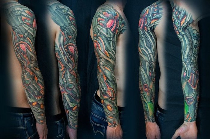 arm tattoo mann, farbiges sleeve tattoo, roboter tattoo