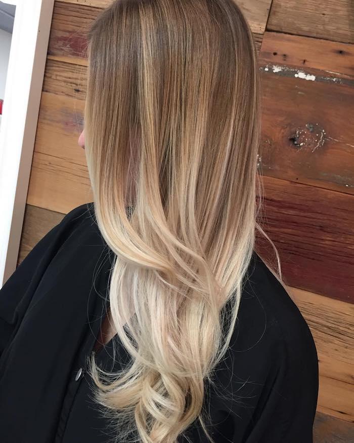 ombre blond farbgestaltung lange glatte haare ideen locken spitzen blond ansatz