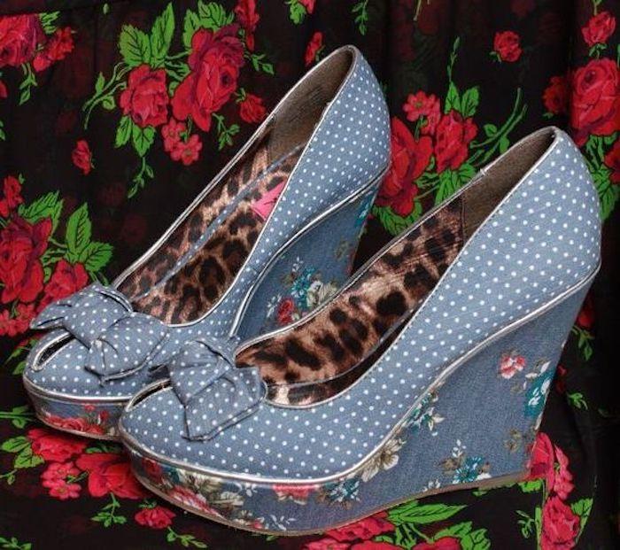 hellblaue Schuhe, Plattform mit Blumenprint, Leopardenprint, Schuhe mit offener Zehenpartie