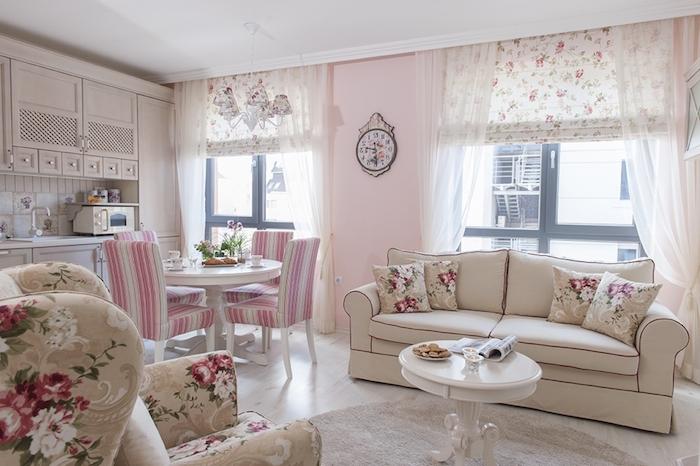 shabby möbel rosa wände wanduhr sessel und couch tisch stühle mikrowelle