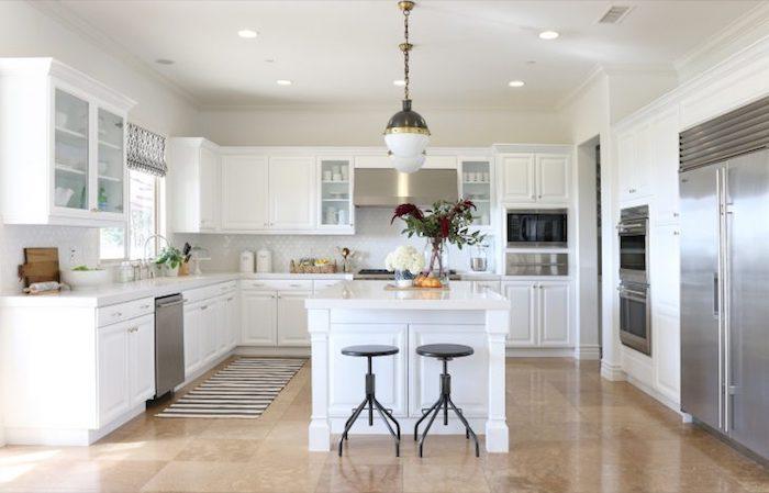 shabby küche kücheneinrichtung ideen schöne gestaltung kühlschrank vase