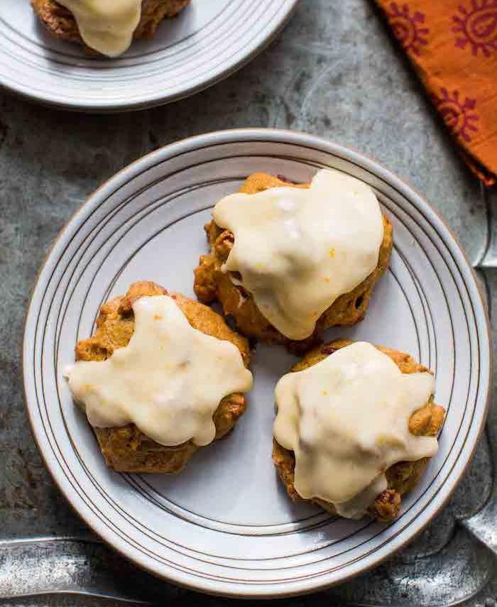 kaki gesund, kekse mit sharonfrüchten und weißer schokolade
