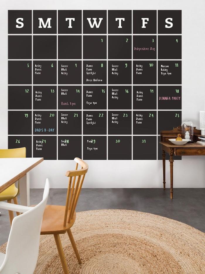Wandfarben Ideen in Schwarz, eine Möglichkeit, den ganzen Monat selber zu organisieren