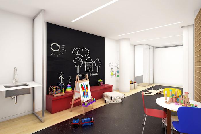 Tafelfarbe ist perfekt für ein Zimmer in Kindergarten wo die Kleinen eigene Art schaffen können