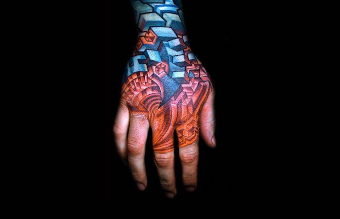 tattoo motive männer, biomechanische tötowierung am hand und unterarm