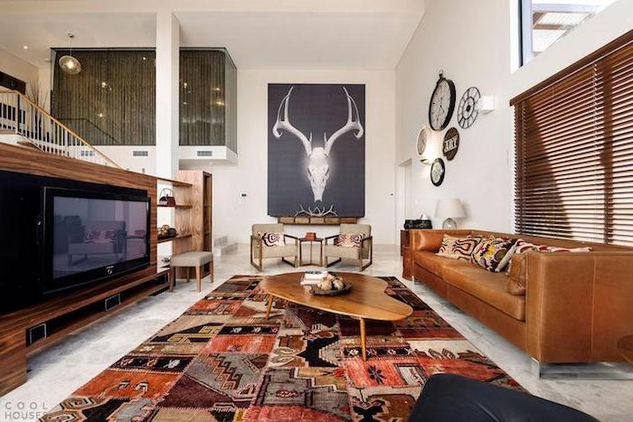 traumteppich designer idee coole wanddeko sofa sessel fernseher bunter teppich