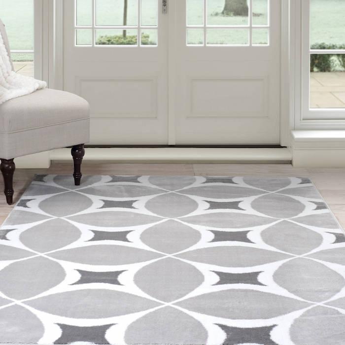 coole teppiche zuhause eine ganz elegante und dezente wohnung in weiß und grau