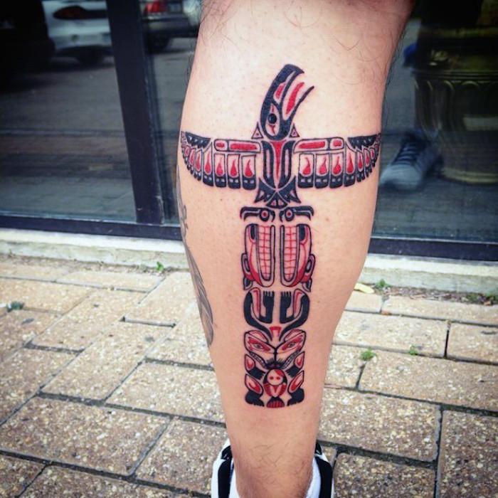 neo traditional tattoo am bein, tätowierung mit indianischen totems