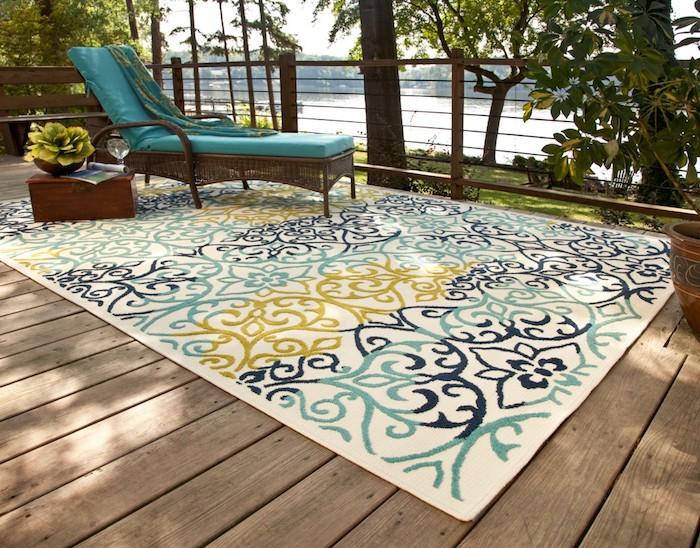 traumteppich veranda idee sessel sofa zum lesen teppich für weiches gefühl sand