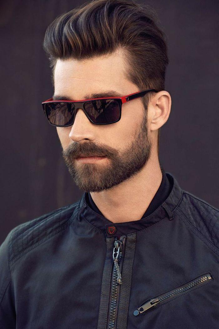 sidecut männer lässiger stil outfit mann trendy sonnenbrillen schwarz und rot sportlich