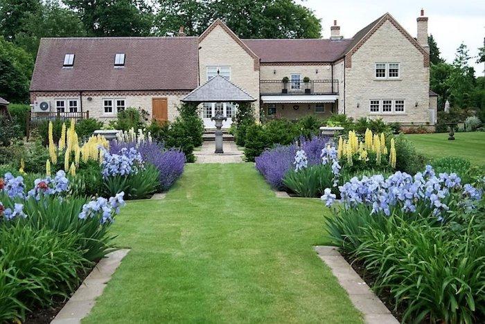 vordergarten pflegeleicht gestalten, haus mit großem garten