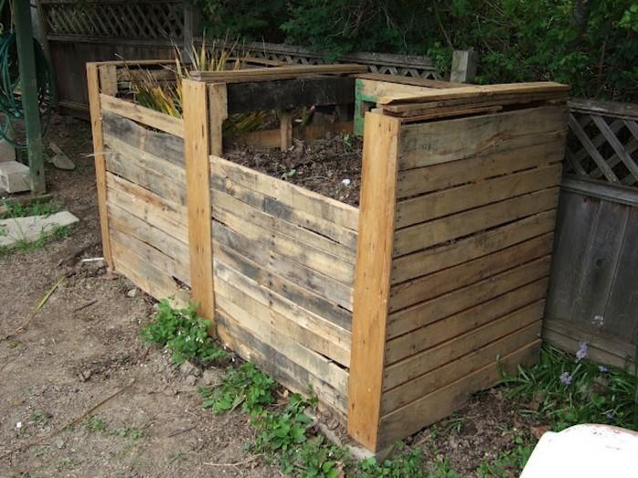 zwei komposter aus holz - eine ganz tolle idee zum thema gartengestaltung, die ihnen sehr gut gefallen könnte