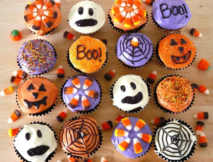 muffins dekorieren mit buttercreme, streuseln und geleebonbons