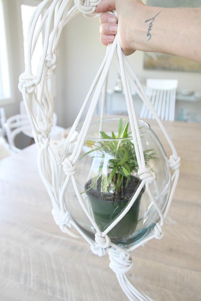 makramee blumenampel tolle idee kleine blume in großem glas und weise deko
